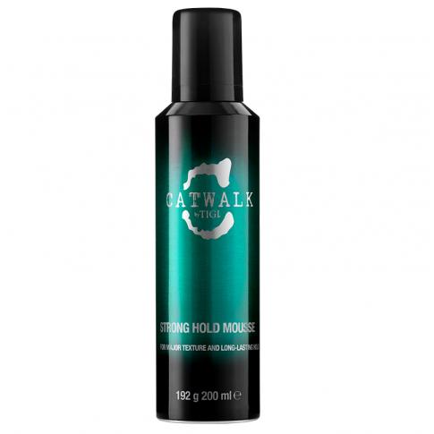 Мусс сильной фиксации для придания формы вьющимся волосам TIGI Catwalk Strong Hold Mousse 200ml - Lookstore (1)